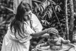 Colombie, une mère et son nourisson en Zone Interdite