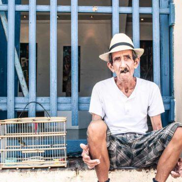 Le vieil homme et l'oiseau. Cuba, Trinidad (aucune mise en scène) par François Maurel