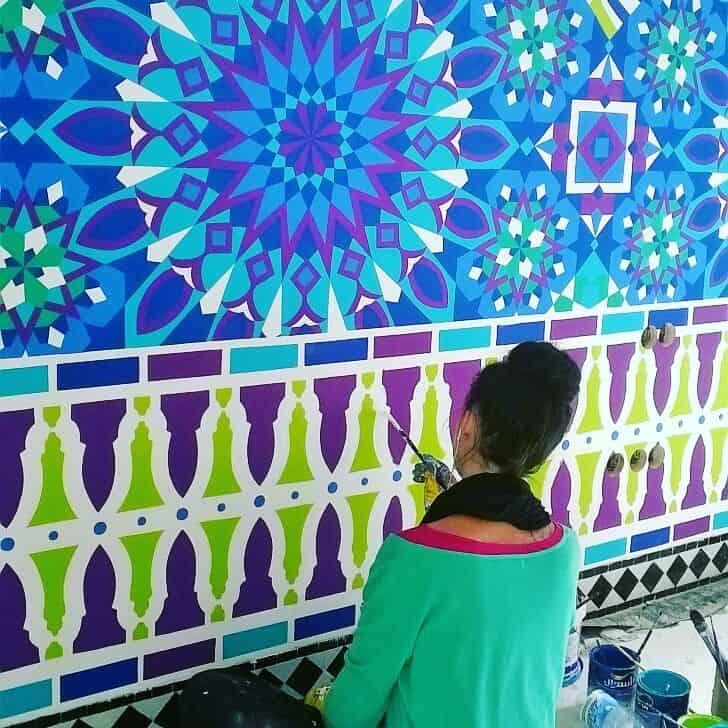 Julie Dalloz artiste peintre muraliste sur la Côte d'Azur